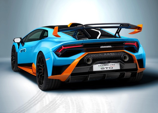 Lamborghini Huracan STO back